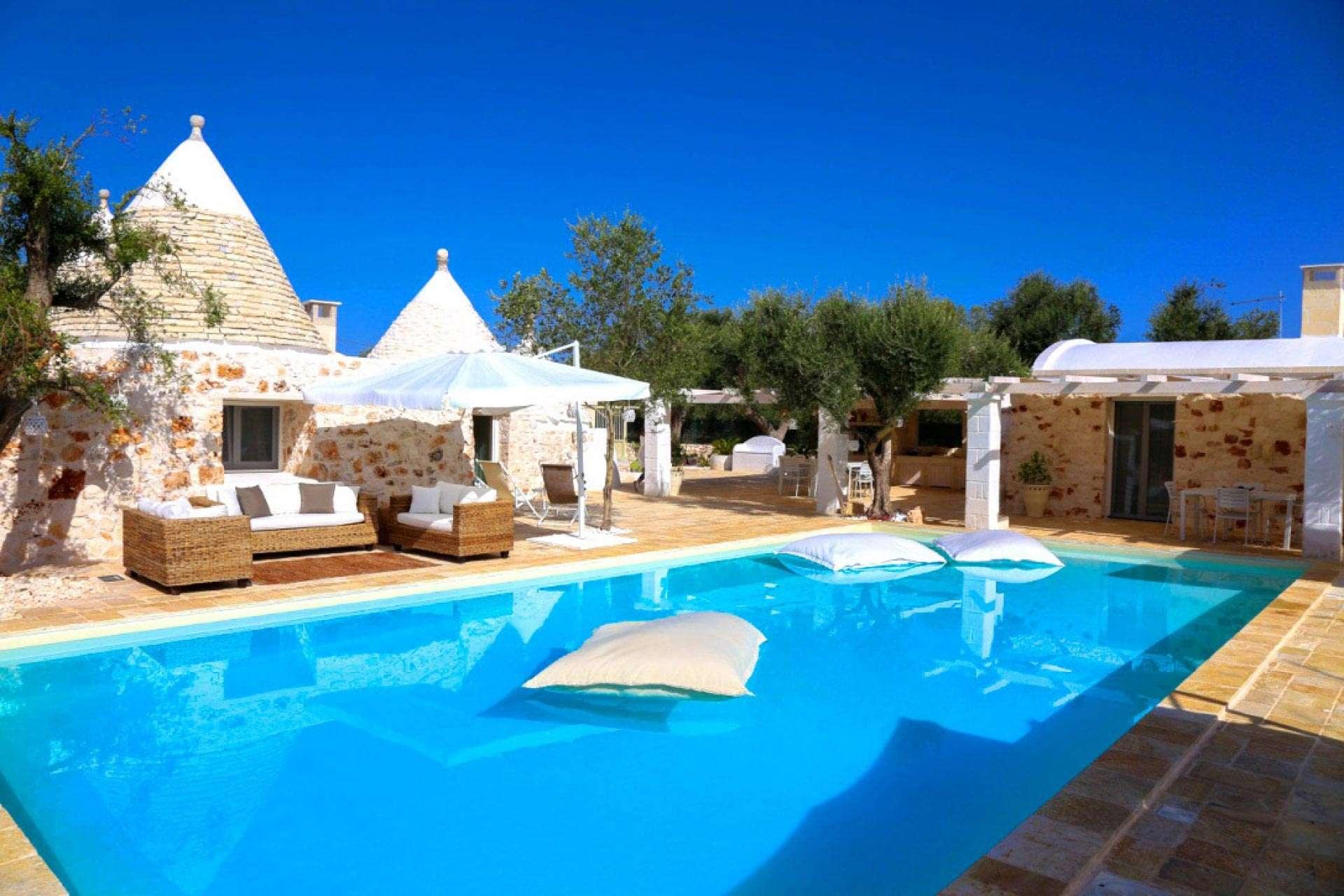 Ville affitto puglia piscina case vacanze salento for Case in affitto a brindisi arredate