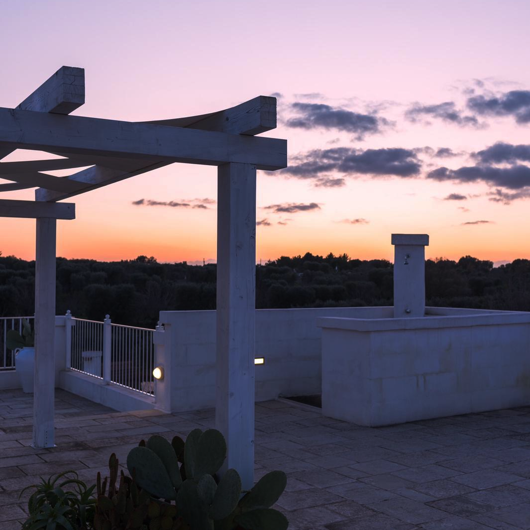 Romantic terrace of Villa Falgheri, villa with swimming pool for exclusive use in Puglia